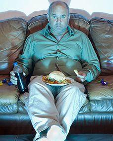 Pour maigrir rapidement: ne manger pas devant la télévision